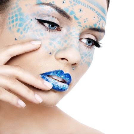 labios sensuales: Mujer hermosa con un maquillaje fant�stico