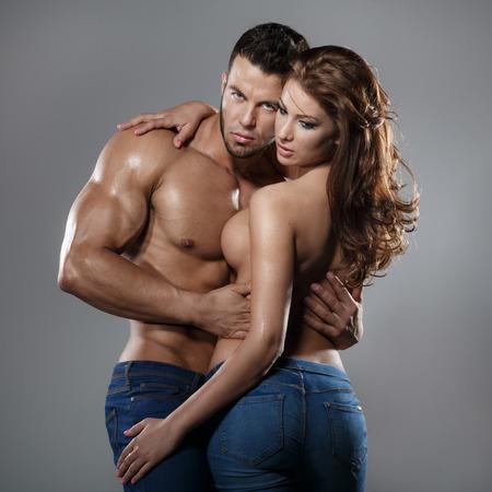 cuerpos desnudos: Mujer y el hombre de la pasión Foto de archivo