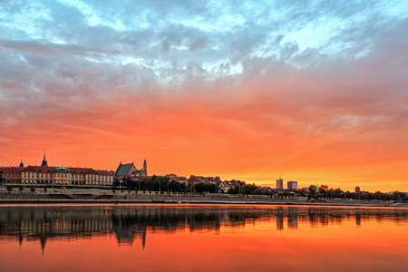 horizont: View of the old town in Warsaw at sunset. HDR - high dynamic range