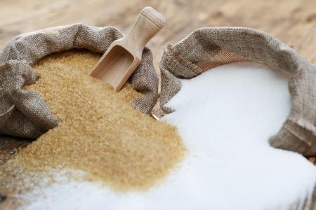Various types of sugar, brown sugar and white 免版税图像