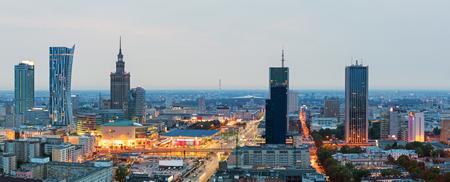 夜明けにワルシャワのパノラマ 写真素材