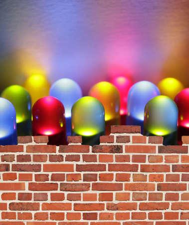 leds: Doce coloridas luces de LEDs detr�s de un muro. Foto de archivo