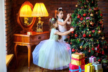 two beautiful girls in dresses 版權商用圖片