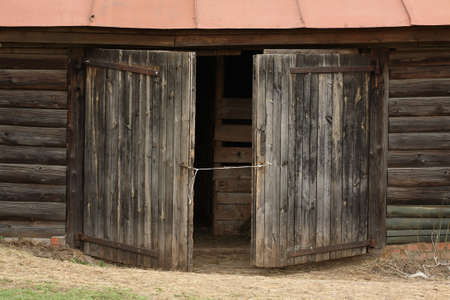 barn backgrounds: aged old gates