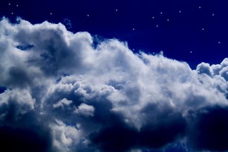 cielo nocturno, las nubes