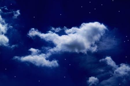 cielo nocturno, nubes en moonligt Foto de archivo