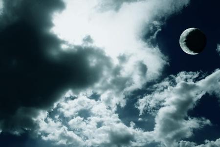 Mullidas nubes en el cielo azul Foto de archivo