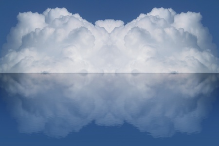 big volume cloud and it reflection on water Stock Photo - 9759614