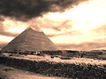 Pir�mides de Giza cerca de El Cairo en Egipto Foto de archivo