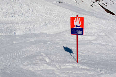 avalanche just missed the avalanche warning sign Stock Photo - 12597517