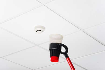 alarme securite: la v�rification annuelle d'un syst�me d'alarme incendie Banque d'images