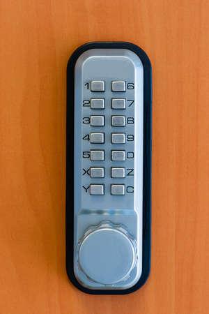 uaktywnić: TouchPanel aby wÅ'Ä…czyć blokadÄ™ drzwi