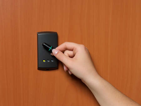 entry numbers: electronic key system to lock and unlock doors