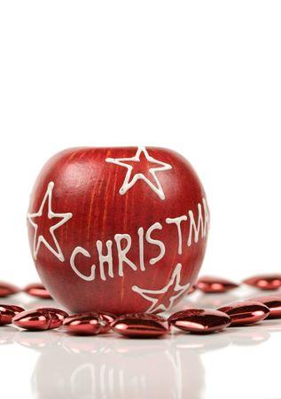 christmas apple: Natale mela su sfondo bianco circondato da piccolo cuore rosso