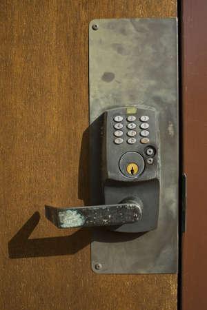 teclado numerico: Combinación de la cerradura en la puerta Foto de archivo