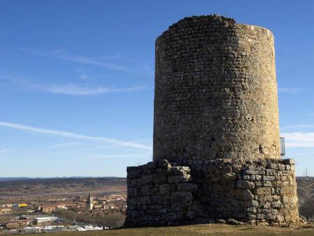 arabe: Torre arabe de Uxama en el Burgo de Osma