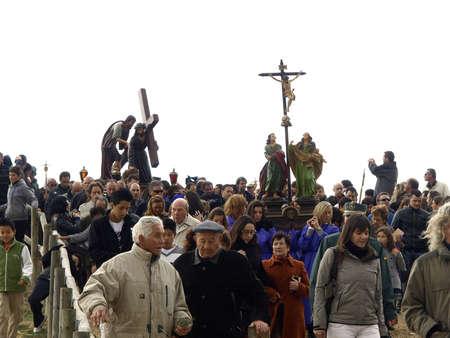 semana santa: picaos in San Vicente de la Sonsierra Editorial
