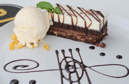 Chocolate cake, vanilla ice cream Stockfoto
