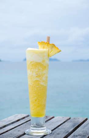 Blended pineapple juice in Thailand Stockfoto