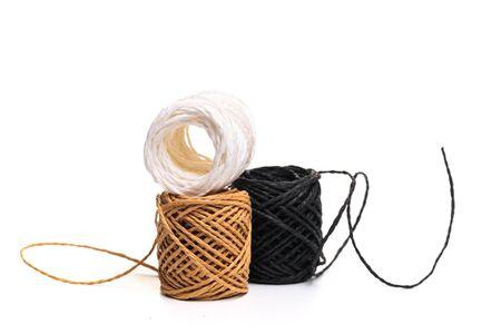 Hemp rope roll isolated on white background. - �˜�·�¾�±Ñ€�°�¶�µ�½�¸�µ Stockfoto
