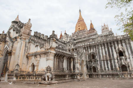 a wonderful world: That Byin Nyu Temple and other temples in Bagan, Myanmar Stock Photo