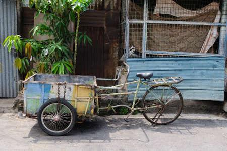 rikscha: Spezielle Bikes, alten Rikscha in Malaysia. Lizenzfreie Bilder