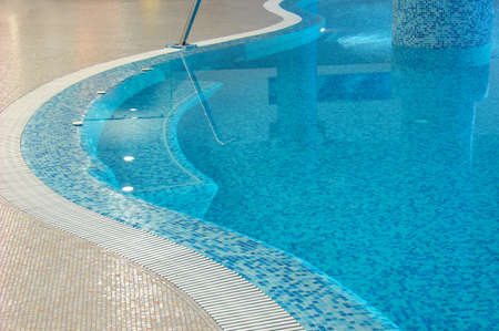 deflect: coast of swimming pool in fitness club