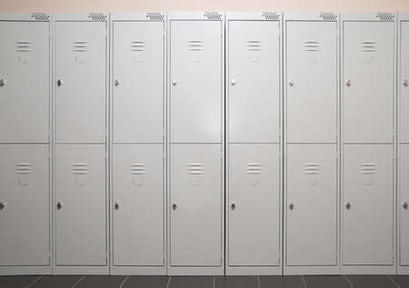 Row of stark metal lockers 스톡 콘텐츠 - 7589215