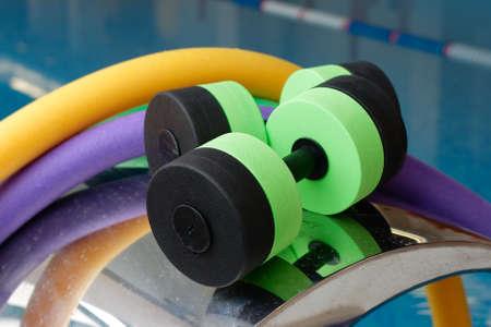 Aqua Aerobics apparatuur, halters noedels. Water Aerobics.