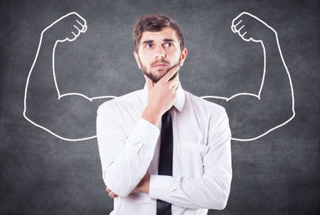musculo: El muchacho representa en la imaginaci�n lo que fuerte
