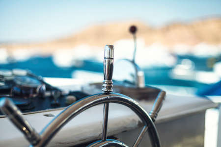 Photo of a wheel for navigation on the yacht Stockfoto