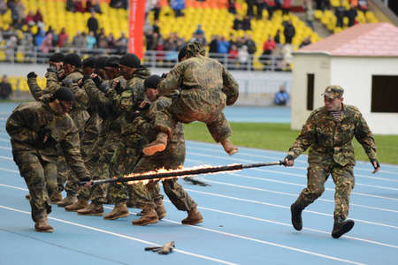 forces: Special forces demonstrate training