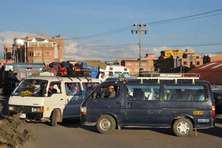 embouteillages: Traffic jams on the streets of La Paz