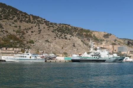 black moor: Yachts and boats at the pier in Balaklava Bay