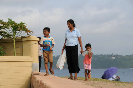 galle: Residents of the city of Galle.
