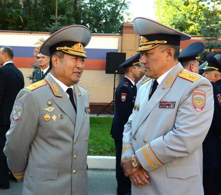 luitenant: The General-the Lieutenant of police Yury Valyayev and the General-the major of police Timothy Pan Redactioneel