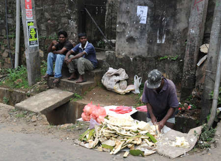 kandy: Residents of the city of Kandy.