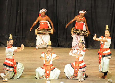 Show in traditional Sri Lankian theatre drum, dance and singing.