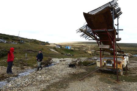 prospector: La mina de oro en la isla de Tierra del Fuego.