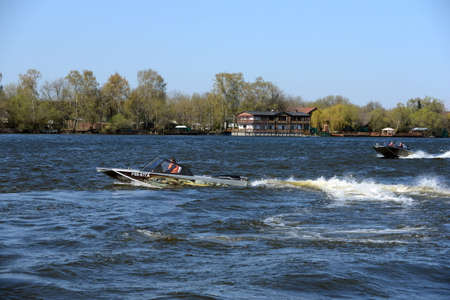azucar: Speed ??boats Ka-Khem on the river Moscow.