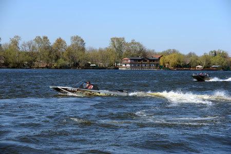 Speed ??boats Ka-Khem on the river Moscow.
