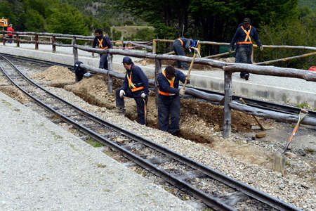 narrow gauge railroad: Rail workers on the southern Pacific railroad in the world.