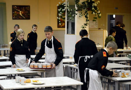 banquet facilities: On duty in the dining room in the cadet corps of the police. Editorial