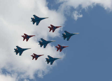 Aerobatic team Swifts and Russian knights on the su-27 and MiG-29 Editorial