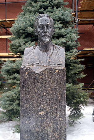 felix: Tombstone of Felix Dzerzhinsky near the Kremlin wall.