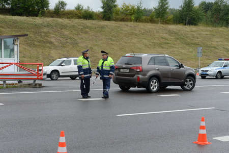 the traffic movement police: Inspectors of traffic police on the track Don.