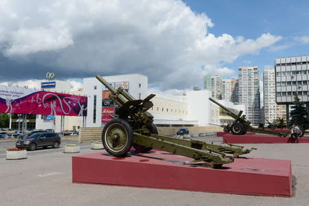 The exposition of the artillery equipment during the great Patriotic war at the Museum of defense of Moscow . Editorial