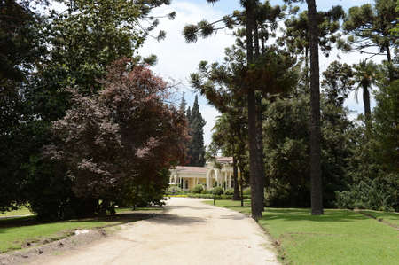 melchor: The Park is an old manor house of the winery, Concho y Tora Editorial
