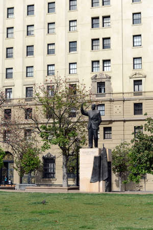 The monument to Chilean President Eduardo Frei Montalva in front of the Palacio de La Moneda.