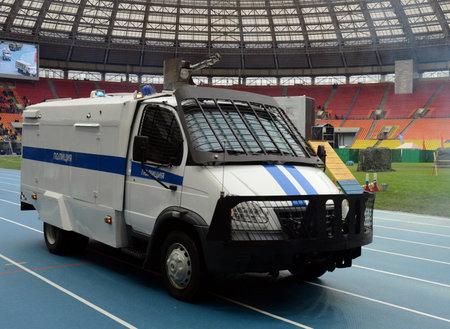 """Vodomotny voiture spéciale """"Groza"""" sur la base de GAZ-33104 """"Valdai"""" au stade """"Luzhniki"""""""